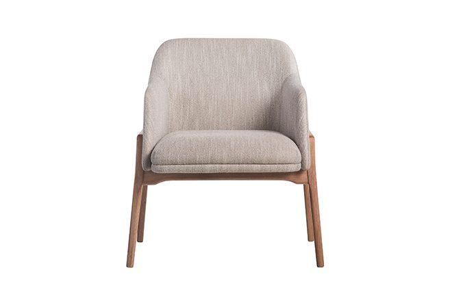 Cadeira New com braço - madeira