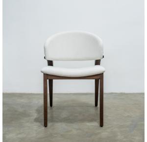 Cadeira Diva Nogueira TEC 146 A assinada por Ibanez Razzera - Destack