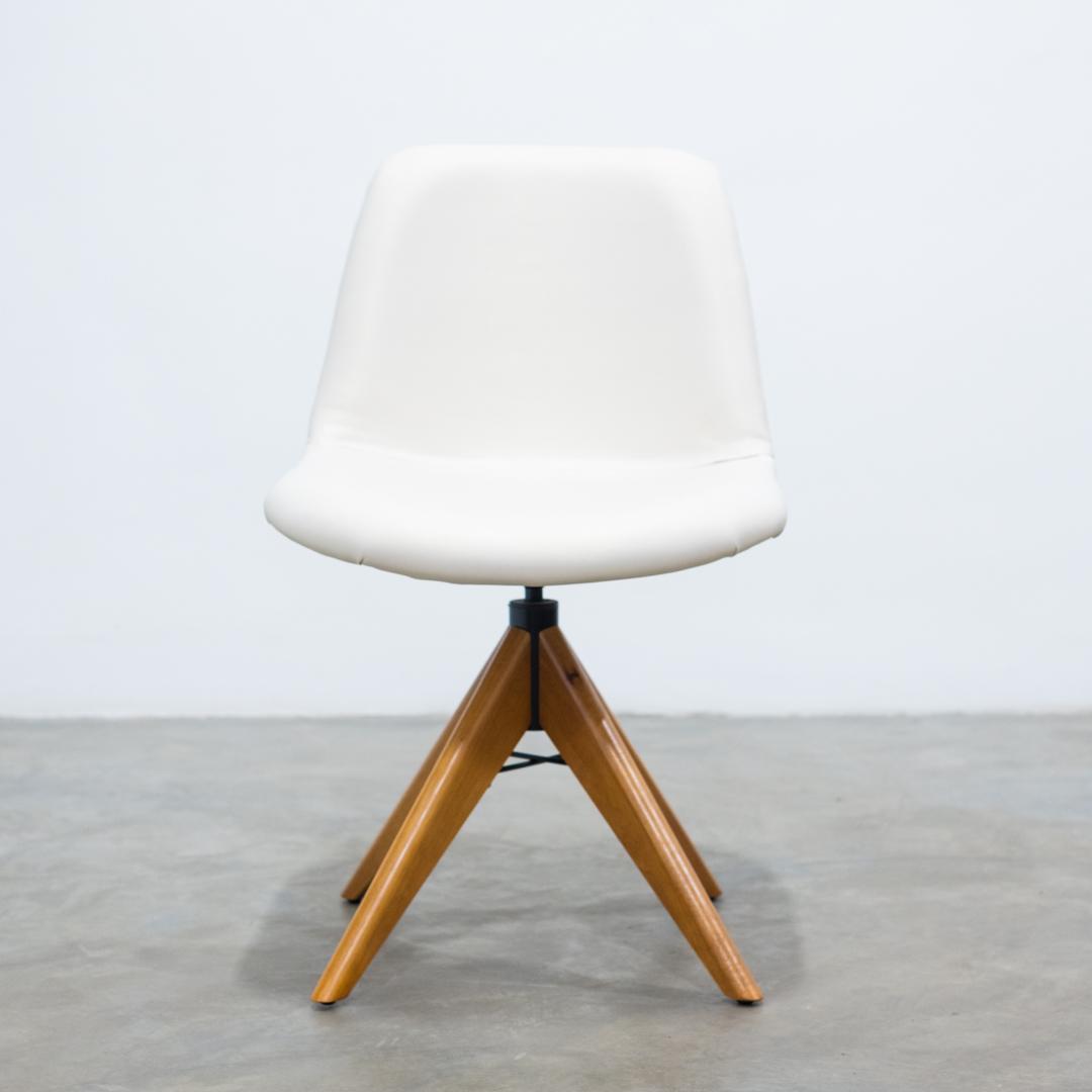 Cadeira Malu com Costura nas Costas Base Giratória AM TEC FR 400 - Heitor Móveis